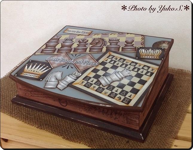 チェスモチーフの BOX